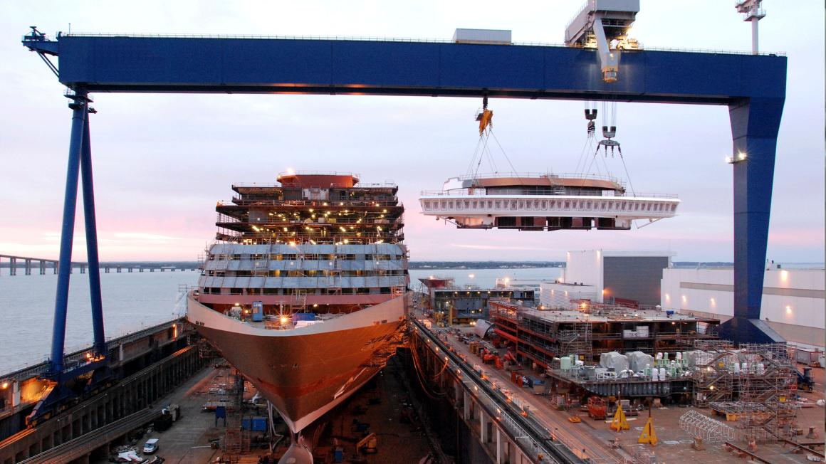 Ship in Chantiers de l